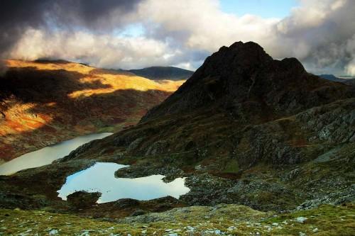 The view towards Tryfan from Y Gribin Ridge.
